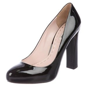 MIU MIU Patent Leather Round Toe Pumps Sz 40